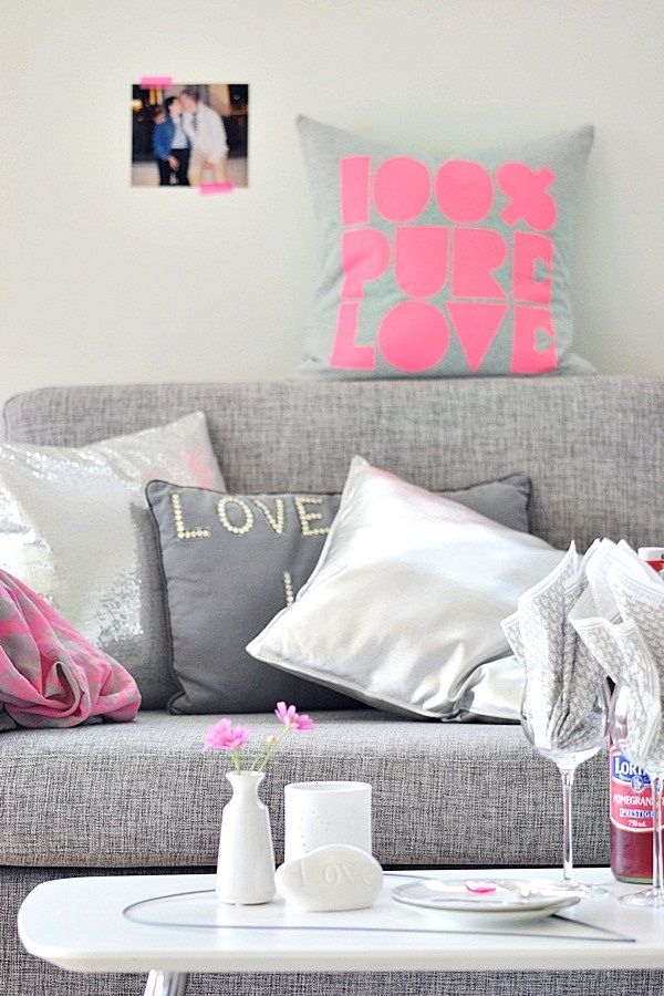 Check out this Gray & Pink bachelorette living room. Good for your 1st place maybe? #decor