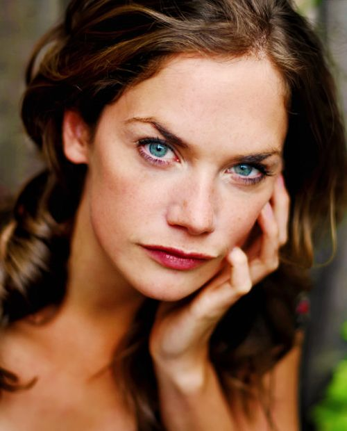 Ruth Wilson- brilliant in bbc's Jane eyre and also brilliant in Luther the BBC series, where she plays a sociopath.