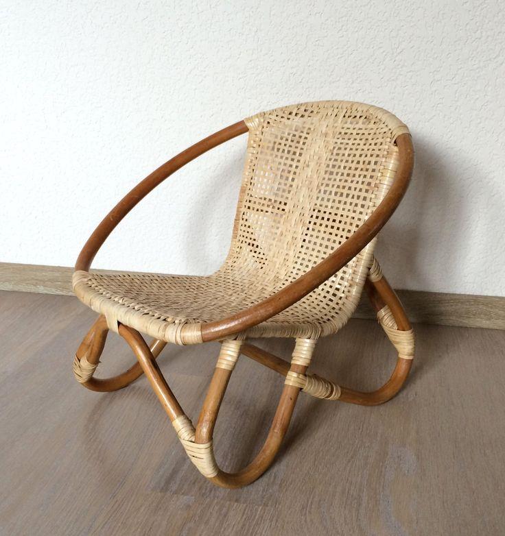 petit fauteuil d enfant en bambou et rotin vintage de la boutique lifestyle66 sur etsy. Black Bedroom Furniture Sets. Home Design Ideas