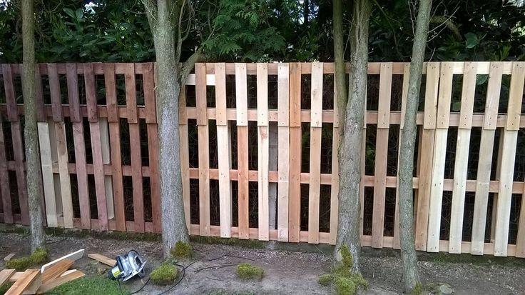 Cloture objet et meuble en palette jardin palette - Cloture de jardin en palette ...
