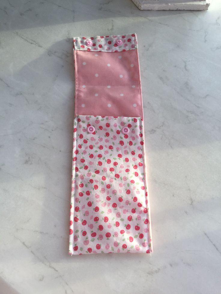 Couture , bien pratique pour le sac à main', la pochette brosse à dent ....