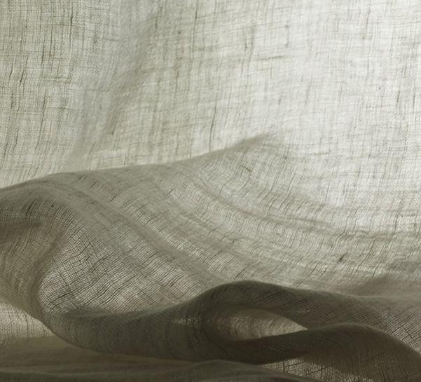 Tessuto a tinta unita lavabile in lino per tende TRILLY by Dedar COL. 003  garza machée di lino in grande altezza in tre colori naturali