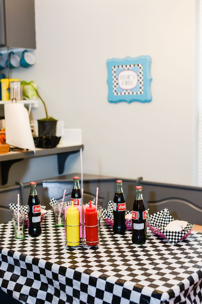 25 best ideas about 1950s theme party on pinterest 50s for 1950s party decoration
