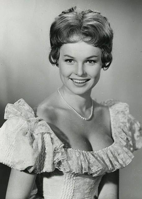 En ung Ghita Nørby