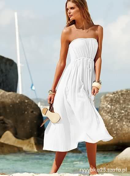 I ona taka w tej białej sukience...