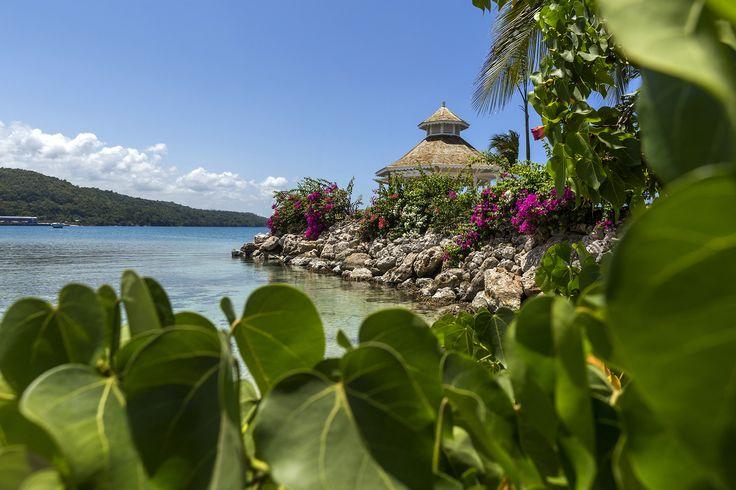 The charming Moon Palace Jamaica Grande in Ocho Rios, Jamaica. Perfect for honeymoons. #Travel #WeddingIdeas #Honeymoon