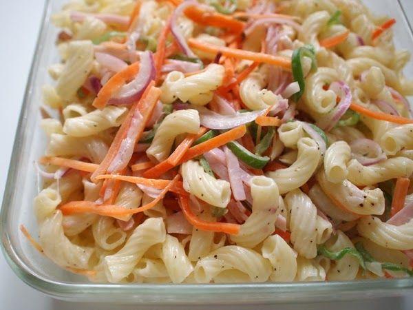 マカロニをゆでてマヨネーズで野菜と和えるだけのマカロニサラダも常備菜として作り置きしておくと、とても便利ですよね!子どもから、大人まで大好きなサラダなので大活躍間違いなしです。