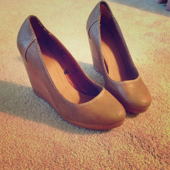 Wedge closed toe shoe Brown color! Goes with almost anything! Shoes Wedges