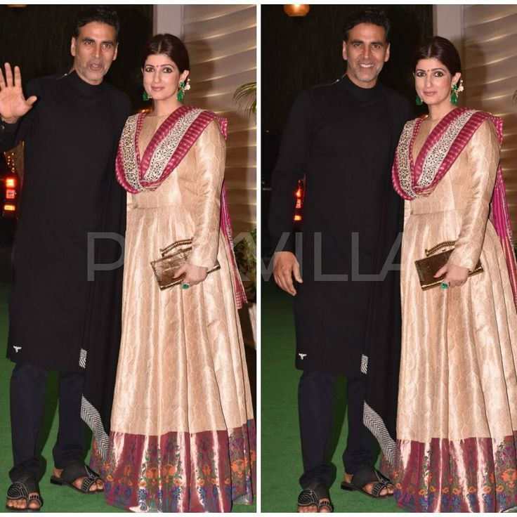 "4,256 Likes, 6 Comments - Pinkvilla (@pinkvilla) on Instagram: ""Akshay Kumar and Twinkle Khanna attend Ekta Kapoor's Diwali party! @pinkvilla  . . #twinklekhanna…"""
