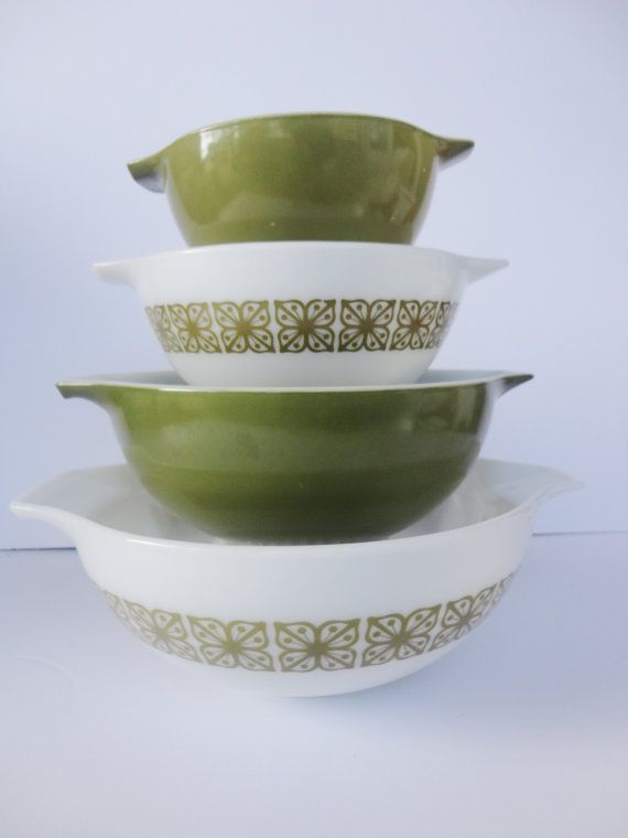 Great Etsy site for vintage kitchenware. I think half my wedding presents are here - Pyrex, Tupperware, Melamine. Can you say Avocado Green?