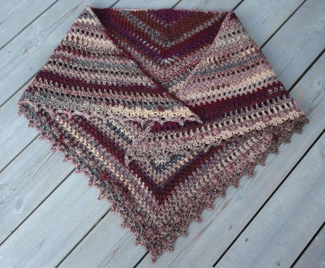 VÅRLI : Taiga sjal - varmt og mykt heklet sjal