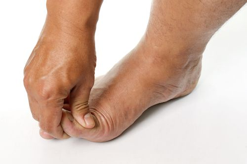 How to take care of toenails at home