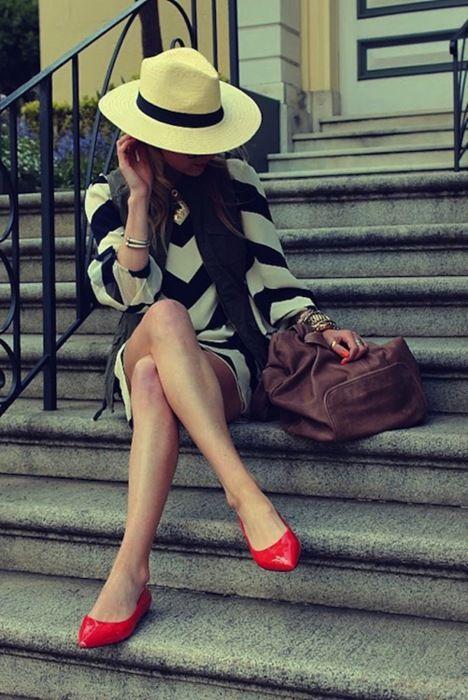 I'm in love!! Red flats, chevron top, hat, oh la la!!