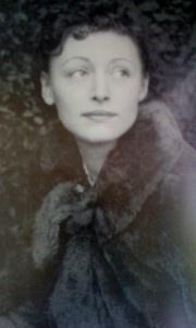 Nusch Éluard (1906 - 1946) Nusch Eluard Biographie  Portrait d'une Muse du Surréalisme A commander chez Artelittera.com