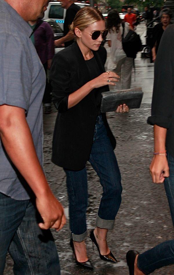chic classic style..black blazer, black heels, jeans: Casual Friday, Style, Outfit, Ashley Olsen, Ashleyolsen, Blazers Jeans, Boyfriends Jeans, Cuffed Jeans, Black Blazers