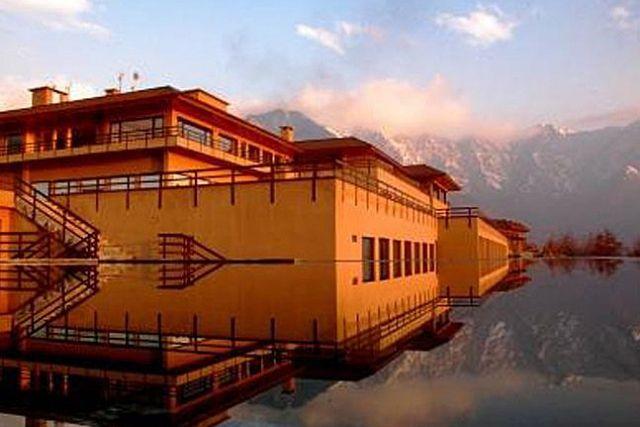 Hotel Vivanta by Taj, Dal Lake, Srinagar, Jammu & Kashmir, India