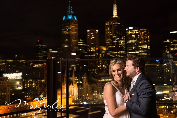 Melbourne city view, wedding photograph, bride and groom, melbourne skyline