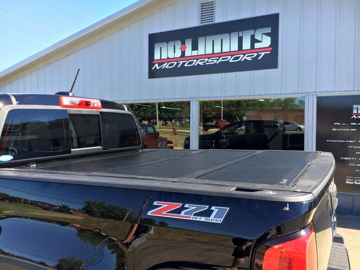 UnderCover tonneau cover on a 2016 @Chevrolet Colorado. No Limits Motorsport - Plainwell, Michigan.  (269) 225-1111