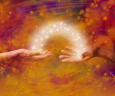 Seelenpartnerschaft - das romantische Liebesglück oder in Wirklichkeit doch eben auch oft ein ungeahnt weiter und vielerlei schwerer Weg?! Erfahre mehr über das Leben in einer Seelenpartnerschaft. #seelenpartner #dualseele #seelenpartnerschaft #vidensus #kartenlegen #hellsehen #wahrsagen #astrologie