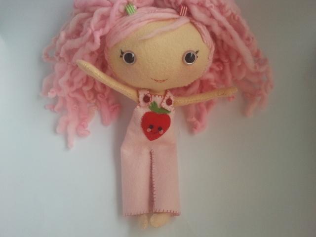 wool felt doll 'sweet strawberry'