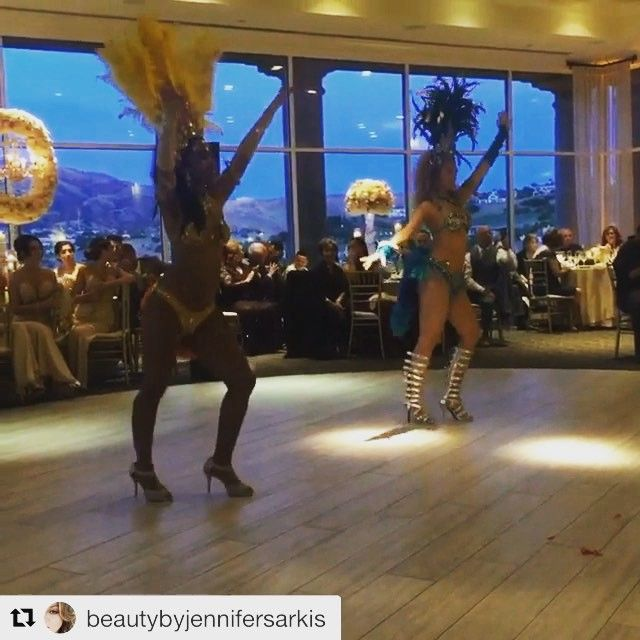 We always deliver, every weekend for six years straight! A clip from our wedding gig this weekend! There is a reason why our repeat retention rate is so high year after year. Great fun to all of our repeat clients. �������� choreo by amor do samba . . . . #dancers #dance #amordosamba #wedding #countryclub #show #brazil #showtime #fancy #gig #sj #sf #weddingentertainment #twilight #feathers #bridesmaids #samba #book http://gelinshop.com/ipost/1515674647714359622/?code=BUIwg_MFGlG