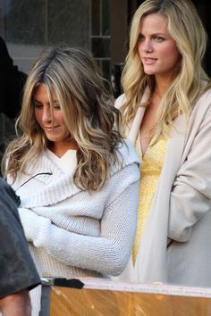 Jennifer Aniston and Brooklyn Decker Film 'Just Go With It' - Pictures - Zimbio