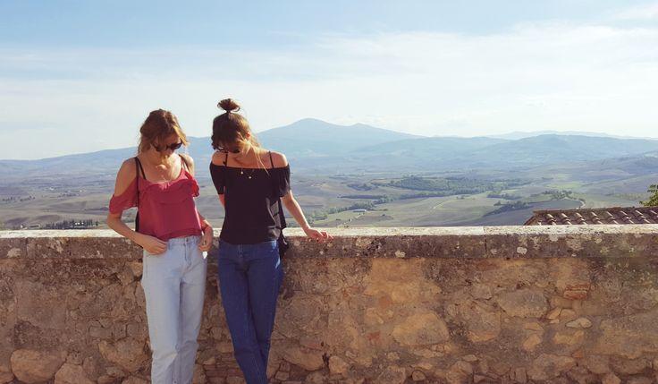 Le Baiser cały czas żegna lato!^^ #Tuscany #Toskania #italy #smallcity #landscape #Pienza #wakacje #vacation #holiday #polishgirl #travel #polishgirls #lookingforinspiration #inspiration #lebaiser #fashion #kobieta #woman #bestoftheday #picoftheday #instafashion #instastyle #beautiful #romantic #ootd #sightseeing #Włochy #instatravel #weekend #offshoulder