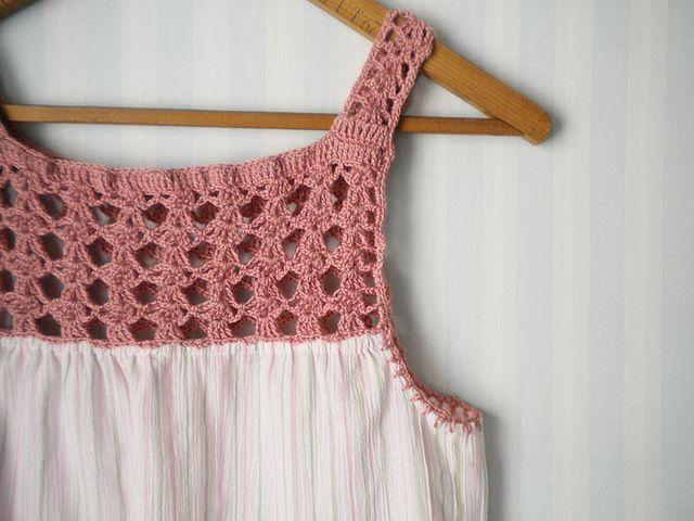 ροζ πλεκτή μπλούζα βελονάκι