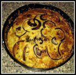 Bloemkool, taart, rode ui, kokosmeel, parmezaanse kaas, oven, amandelmeel, bloem, bakpoeder, kurkuma, koolhydraatarm