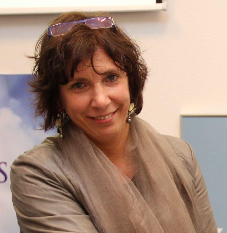 De beste politica van Nederland en toevallig ook een goede vriendin geworden: Helma Lodders. Maakte mij wegwijs in politiek Den Haag. Nam ook mijn boekje 'Futurizing' als eerste in ontvangst