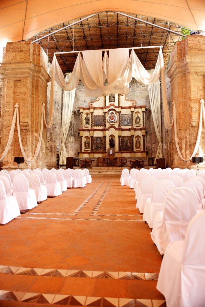 Altar de casa Santo Domingo, antigua Guatemala.