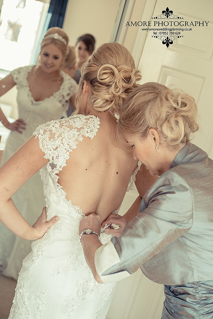 Amore Photography of Wakefield Bridal Preparations
