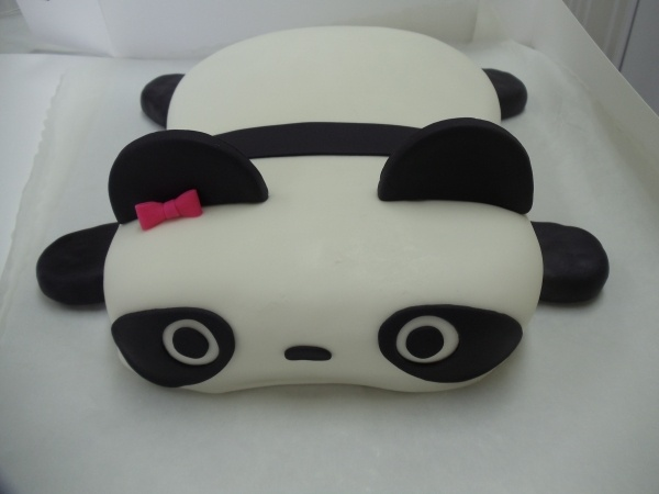 Tare Panda cake  @Michelle Flynn Iwancewicz