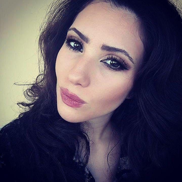 Buongiorno Bellezze!! Buon sabato!! Oggi per il mio #makeup Artistry ho scelto le tonalità autunnali del caldo marrone!!  Voi cosa scegliete per il vostro make-up oggi?? Baci  _________________________________ #selfie #selfie_mania__ #fashion #style #stylish #love # #me #cute #photooftheday #hair #beauty #beautiful #instagood #instafashion #pretty #pink #girl #girls #eyes #model #instamakeup #cosmetic #cosmetics #TFLers #eyeshadow #lipstick #gloss #mascara #eyeliner  @makeupfashionfeed…