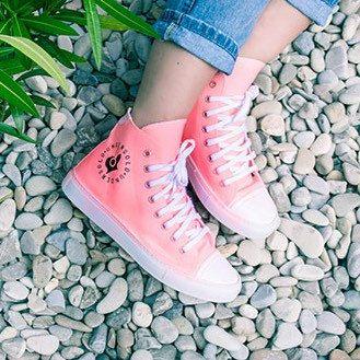 Nuovo colore Pink per le sneakers luminescenti Undersolo