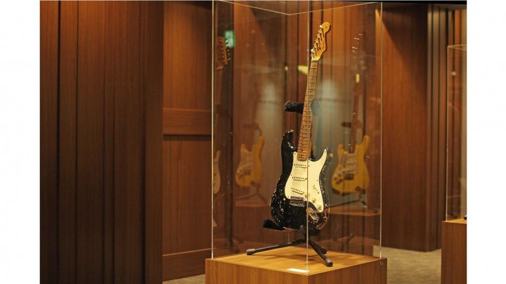"<FENDER/フェンダー>|クラプトンのギターも展示 カスタムショップの期間限定ストアがオープン! ""フェンダー愛""の詰まったトークセッションも開催 | EVENT | 伊勢丹メンズ館 公式メディア - ISETAN MEN'S net"