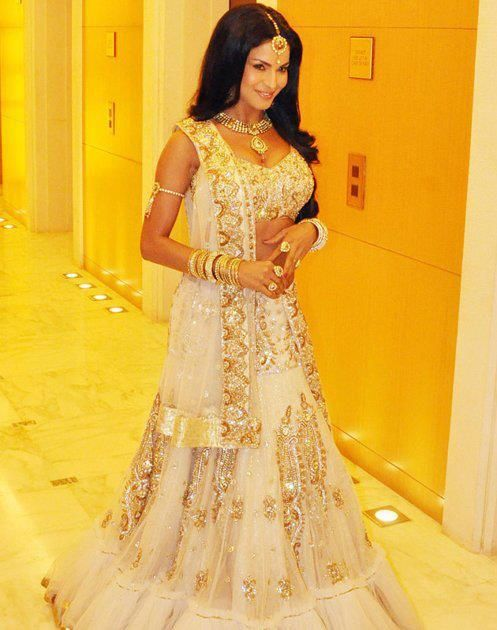 gorgeous cream bridal lengha