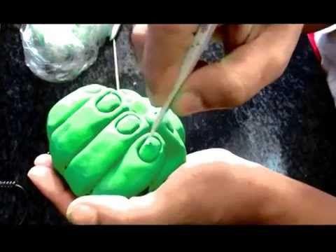 modelando a mão do Hulk em biscuit - YouTube