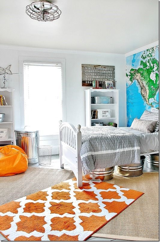 Easy and inexpensive ideas for decorating a teenage boy's room. Use a trash can for a hamper and galvanized bins for storage and so many more thistlewoodfarms.com
