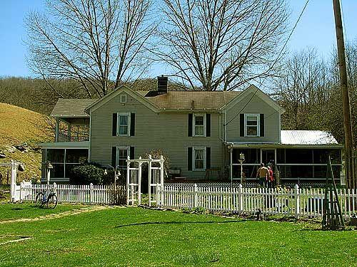 farmhouses Home