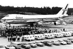 1st Boeing 757 with Aristocrat trailers for executives