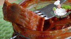 Пикантная закуска из кусочков сельди, приготовленных в маринаде из томатного пюре с виноградным уксусом и перчика чили.Солили, коптили, жарили мы селёдку. А сегодня замаринуем селедку в томатном соусе…