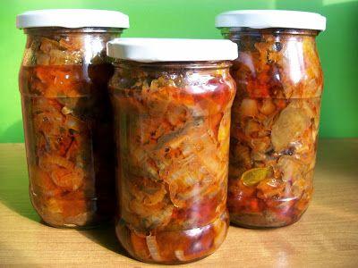 Monia miesza i gotuje: Przetwory - sałatka z grzybów