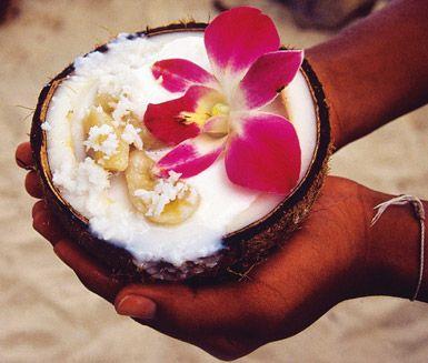 En härlig och söt efterrätt av banan, kokosmjölk och socker. Perfekt att servera som dessert efter en god middag. Både exotiskt, roligt och fantastiskt gott!
