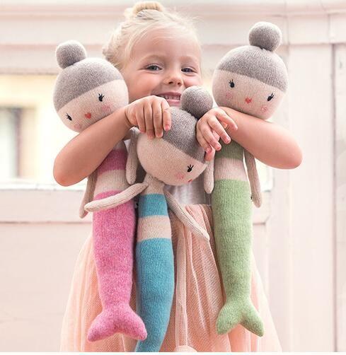 25 beste idee n over zachte poppen op pinterest for Baby op zij slapen kussen