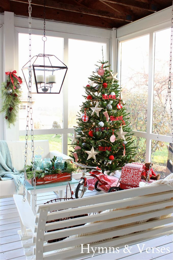 Perfect Christmas Porch from House of Turquoise: Hymns and Verses