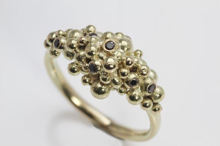 Zigt ring met zwarte diamanten