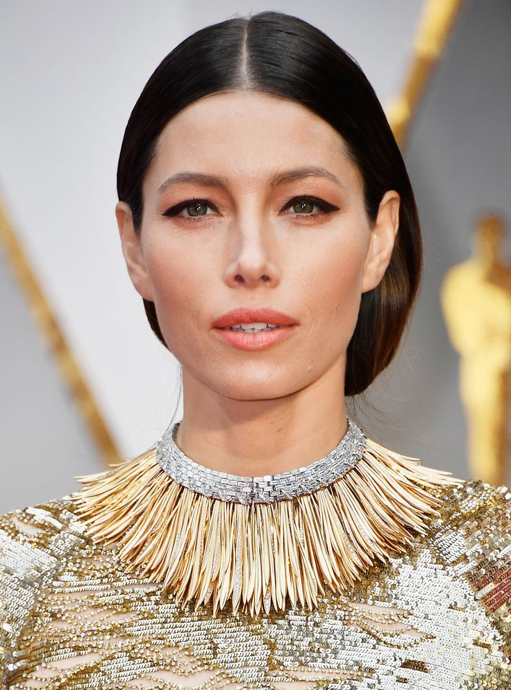 The Best, Brightest, and Most Jaw-Dropping Jewelry at the 2017 Oscars - Jessica Biel in Tiffany