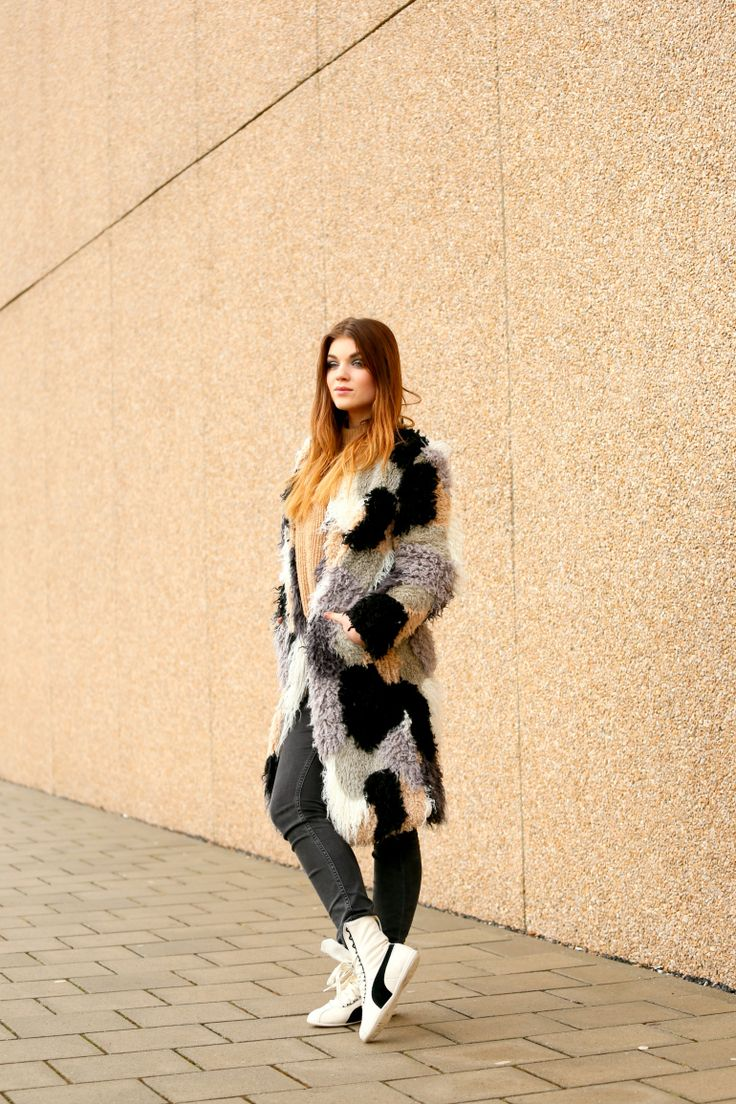 shearling coat, patchwork coat, chic le fric, puma, puma eskiva, skinny jeans, fashion blogger, fashion is a party, beige trui, h&m man, & other stories, lente, winterkleding, bas' verjaardag, winterjas