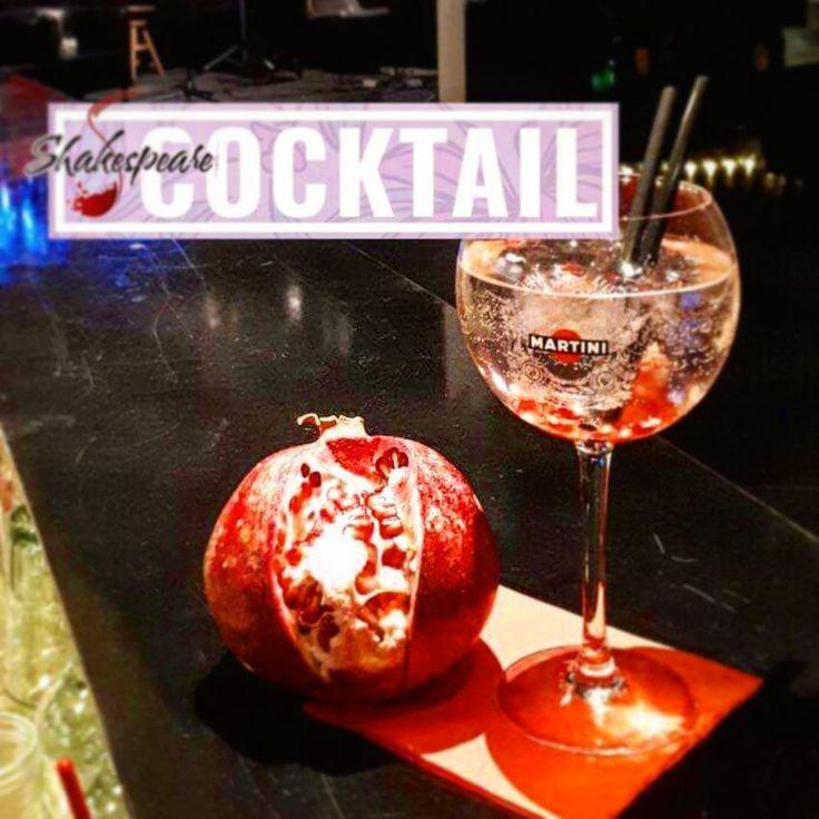 Grapefruit Gin Tonic #gintonic #mixology #bartender #tanqueray #rangpur #cortesetonic #instabar #parma #parmacentro #cocktails #aperitivo